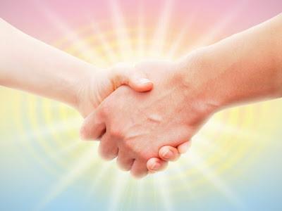 男女の握手.jpg