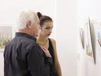 15 A kiállítás érdeklődői.JPG