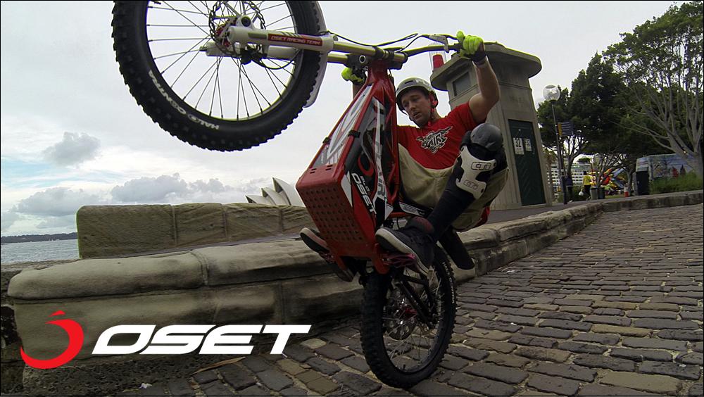 OSET_jack_field_sydney_loc_04_promenade_stunts_17b.jpg