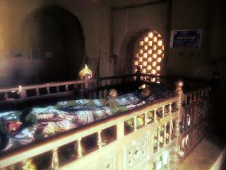 Tomb_11