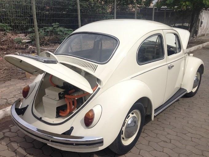 Fusca: engenheira transforma carro clássico em modelo elétrico