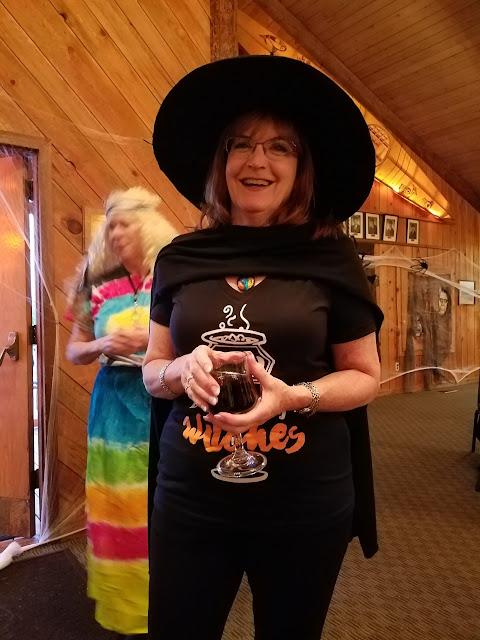 2017 Halloween/Oktoberfest - 20171021_173051_resized.jpg