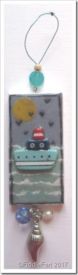 Domino Crafts Little Boat Tag with beads and shell