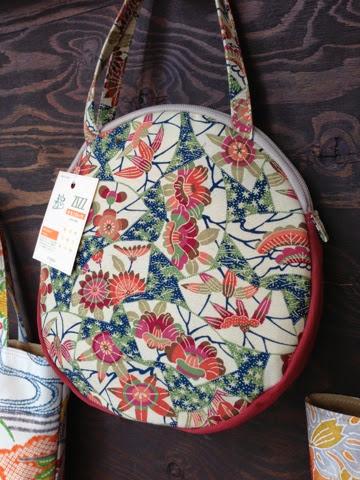 http://www.zizz-shop.com/kanseihin/chiffon_itiran_01.htm