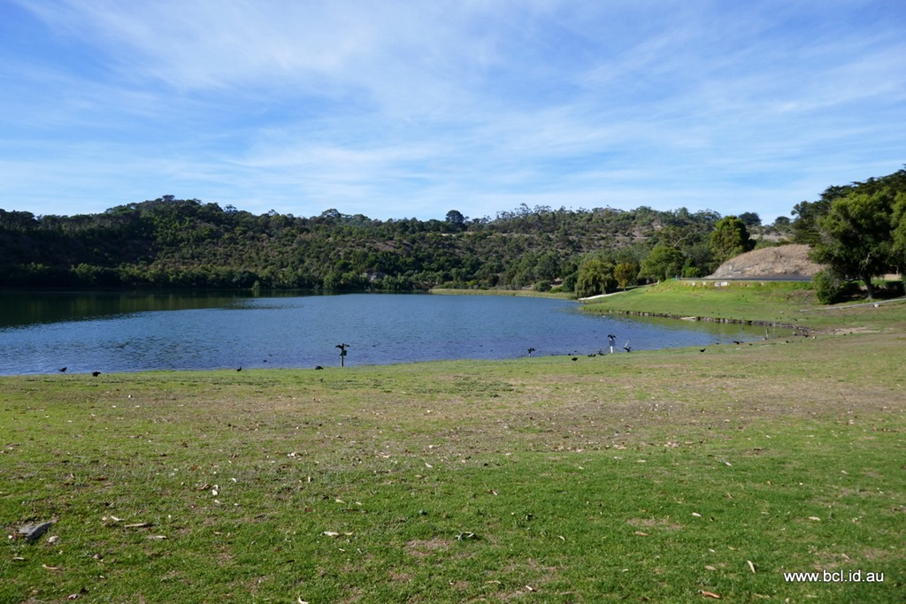 [190304-034-Valley-Lake-Mt-Gambier3]