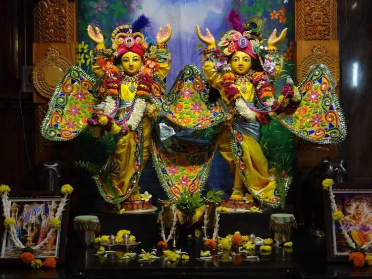 ISKCON Nigdi Deity Darshan 18 Dec 2015 (33)