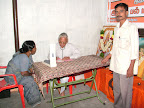 Janar helping Dr.T.N.Kuppusami :: Date: May 15, 2007, 6:27 AMNumber of Comments on Photo:0View Photo