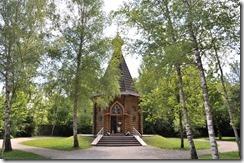 7 Chapelle russe construite sur un remblai de terre russe