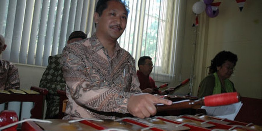 Cabaret Riyawat Rama Ibu bij RBU