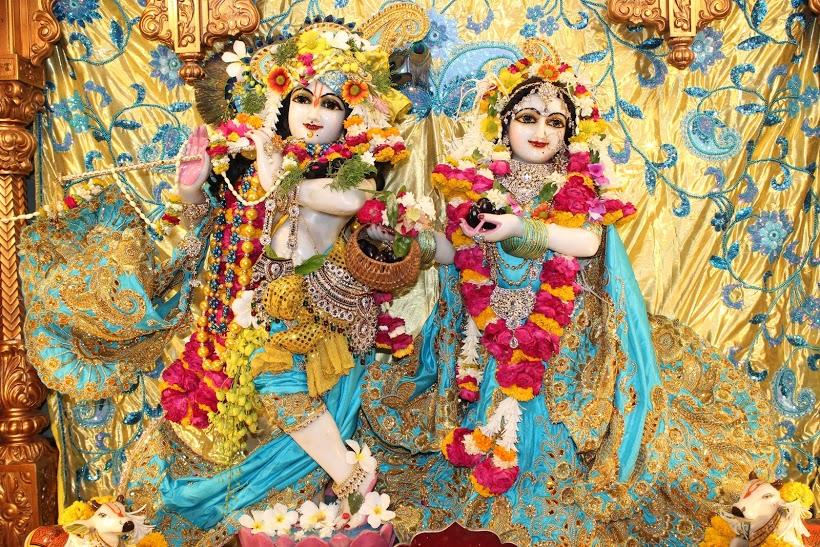 ISKCON Vallabh Vidyanagar Sringar Deity Darshan 23 April 2016 (12)