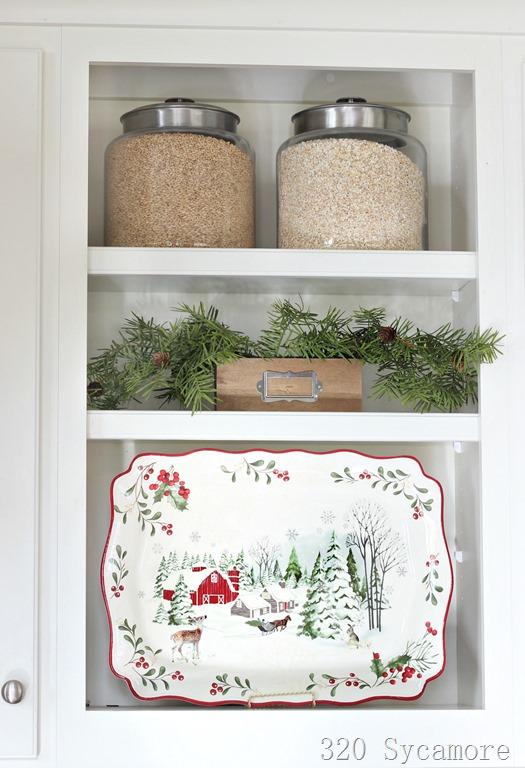 [christmas+kitchen+shelf%5B2%5D]