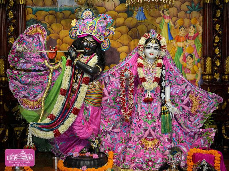 ISKCON Ahmedabad Deity Darshan 20 Sep 2016 (1)