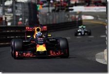 Daniel Ricciardo conquista la pole del gran premio di Monaco 2016