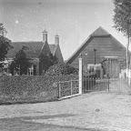 1914 of eerder Schuuren woonhuis van  Hoeve Zelden Rust_ fam Frans van Gils_die is afgebrand in 1915_BEW.jpg