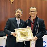 Montanaso , 14 dicembre 2013 in sala consiliare la Giornata Olimpica 2013 . premi . nella foto premio società Polisportiva Juventina  . premia Marco Bottini