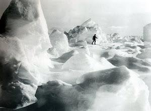 Photo: 14 enero de 1915  ... http://www.shackleton-endurance.com/images.html