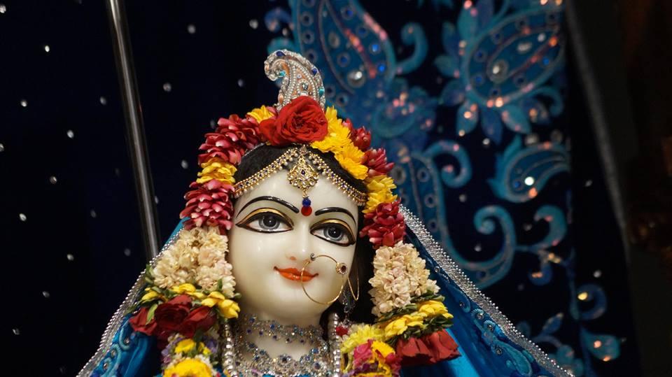 ISKCON Noida Deity Darshan 2 April 2016  (4)