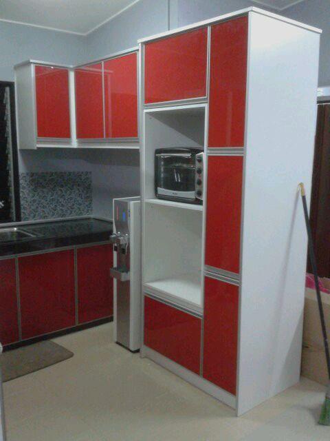 Ni Dia Rumah Kak Haliza Dapur Seolah2 Dalam Studio Merah Gitu Memilih Material 3g Gl Berwarna Serta Carcas Putih Memang Menarik Mana Tak Nya