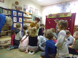 Dzień Pluszowego Misia w bibliotece i wizyta przedszkolaków 2016.11.25