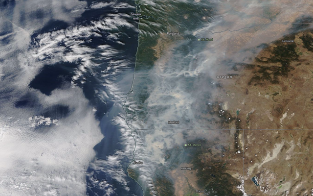 Satellite view of smoke from wildfires in California and Oregon, 3 September 2017. Photo: Worldview / NASA