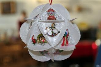 Photo: Boule en Perga c'est en regadant des modeles origami que j'en ai eu l'idée