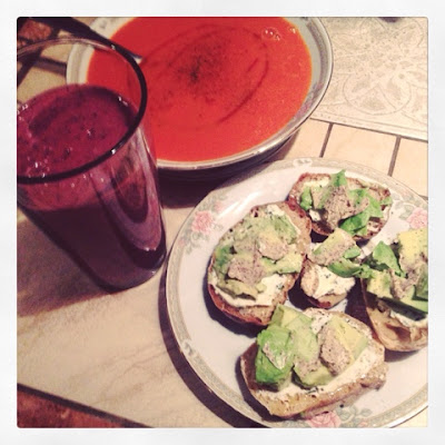 berry smoothie tomato soup avacado toast 5 a days brunch