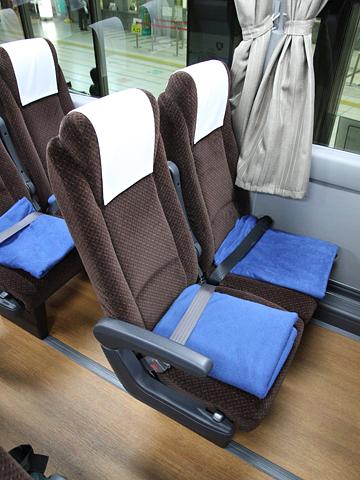 西鉄「はかた号」8545 シート