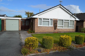 Two-bedroom Carno bungalow