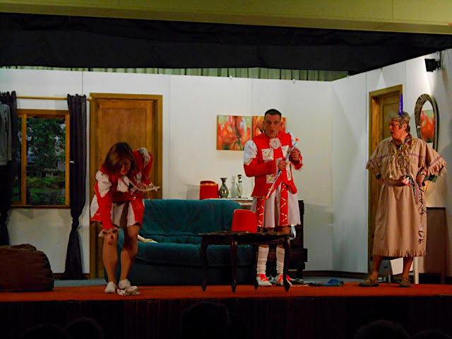 theatre 2012 - DSCN0607.JPG