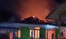 Viral, Beredar Vidio Kebakaran Melanda Sebuah Masjid Di Nanga Koman