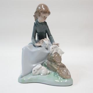 Lladró Daisa Figurine