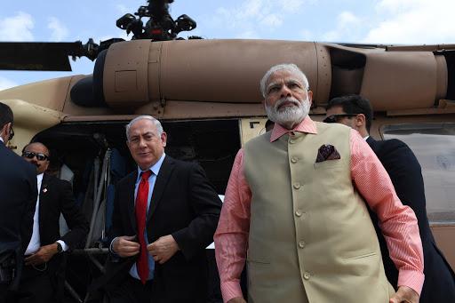 ביקור ראש ממשלת הודו נרנדרה מודיטיסה עם ראש הממשלה בנימין נתניהו לכיוון חיפהנחיתה בחיפהPhoto by Kobi Gideon / GPO