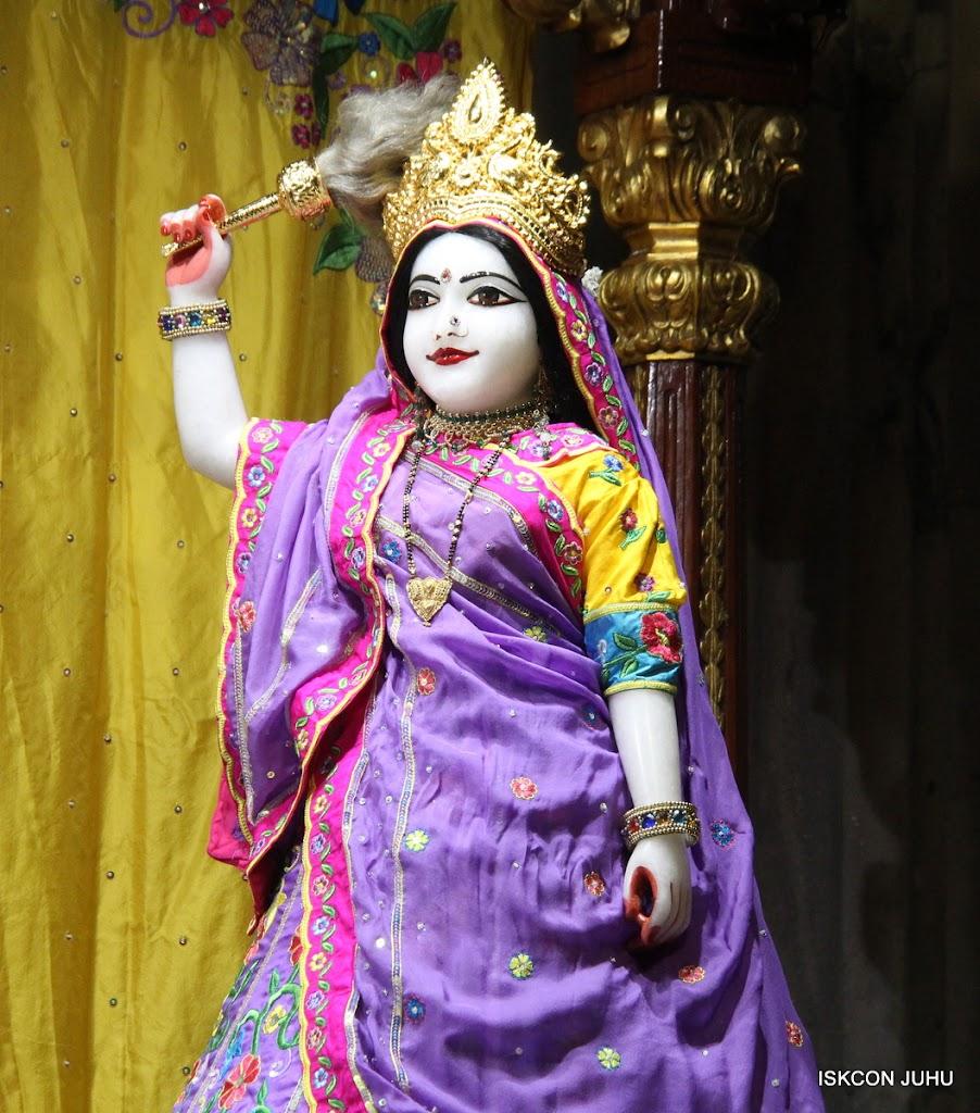 ISKCON Juhu Mangal Deity Darshan on 24th Sep 2016 (25)