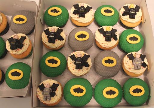 874- Lego Batman cupcakes.JPG