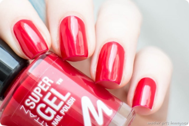 Manhattan Super Gel Nail Polish Swatch Erfahrungsbericht seductive red ladies night almost midnight devious red-3
