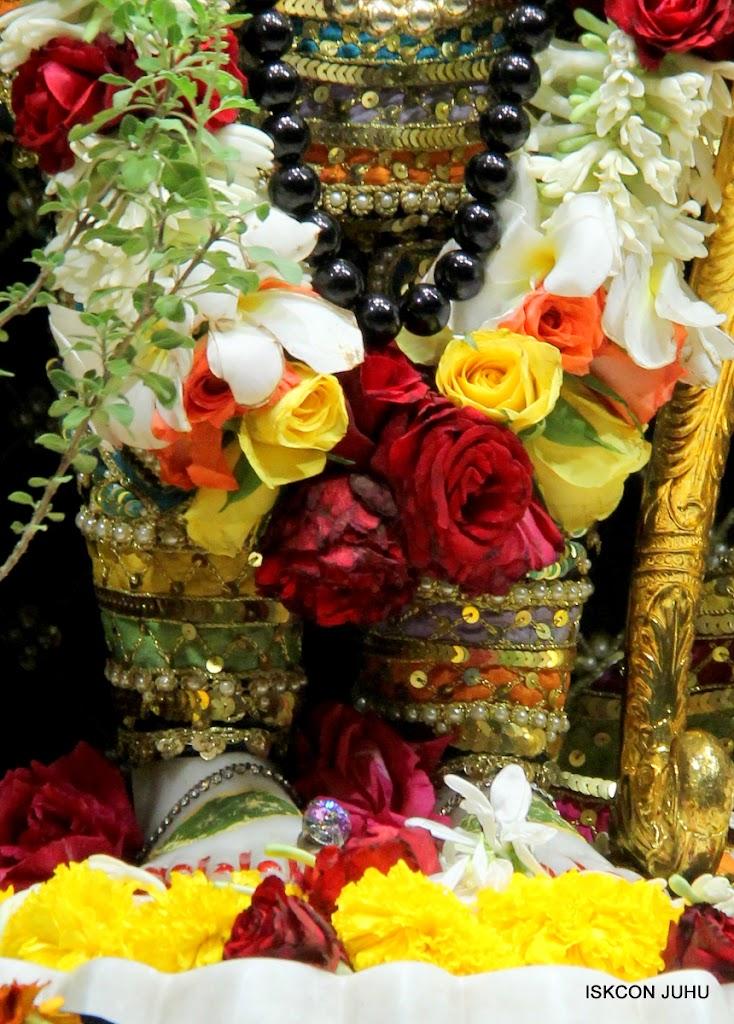 ISKCON Juhu Sringar Deity Darshan 09 Apr 16 (31)