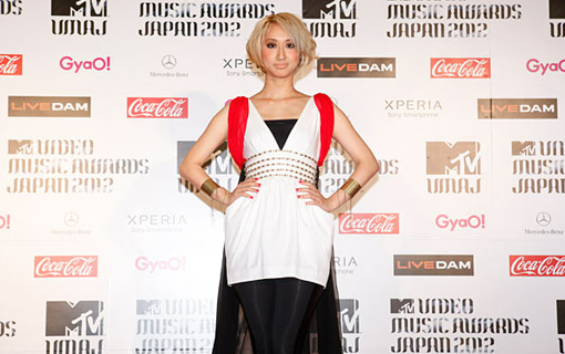 Miss Ooja on the red carpet | MTV Video music awards Japan 2012