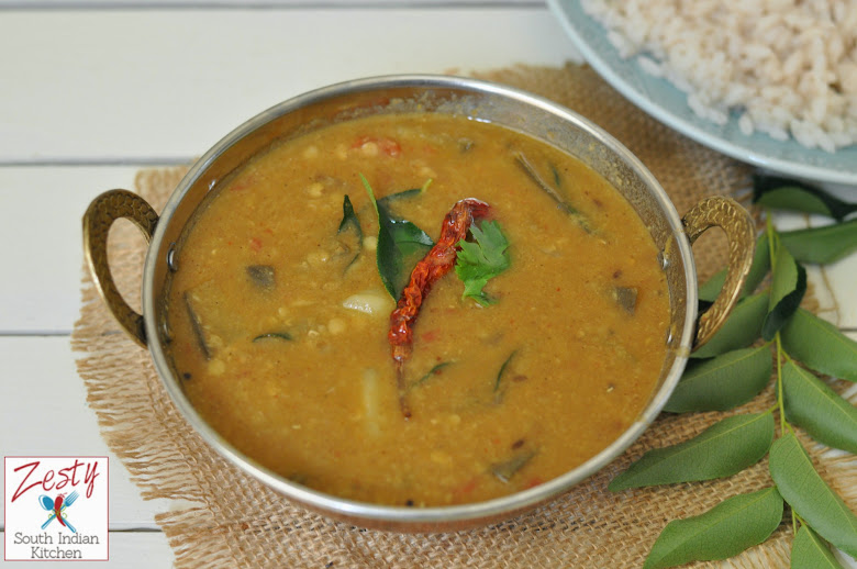 Varuthaaracha sambar/ Roasted Coconut Lentil Stew North Kerala style