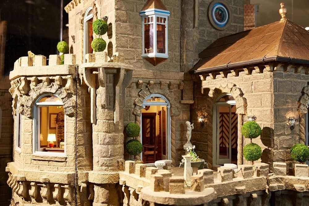 astolat-dollhouse-castle-2