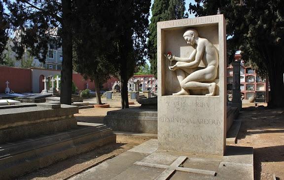 Cementiri de Sarrià.jpg