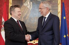 الرئيس النمساوي وحاكم فيينا يهنئان المسلمين بحلول شهر رمضان المبارك