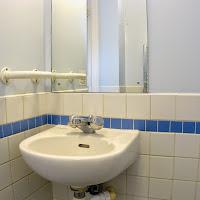 Room D-Bathroom2