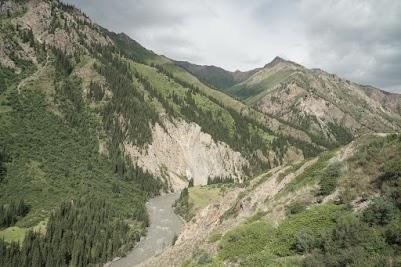 Eki Naryn Schlucht- ein Hochgebirgstal wie aus dem Bilderbuch