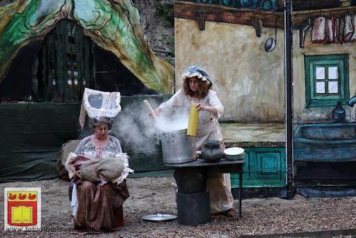 Alice in Wonderland, door Het Overloons Toneel 02-06-2012 (39).JPG