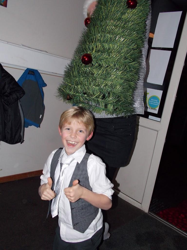 Bevers & Welpen - Kerst filmavond 2012 - DSCN0860.JPG