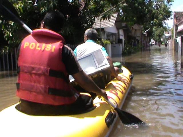 Air Meninggi, Warga Panik Sebagian Mulai Mengungsi