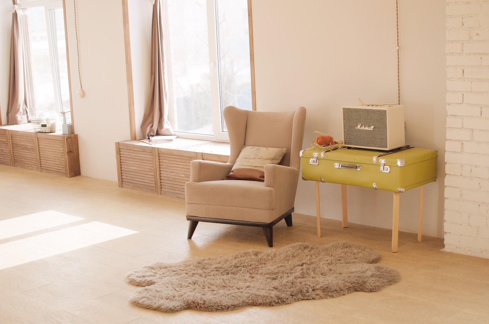 Unsur kayu pada desain scandinavian  - source: unsplash.com