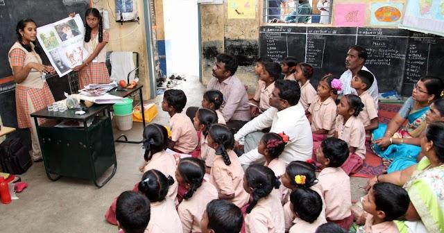 அரசு பள்ளிகளில், 6 - 8ம் வகுப்பு வரை படிக்கும், மாணவ - மாணவியர், தங்கள் குடும்பத்தில் படிப்பறிவு இல்லாத ஒருவருக்கு, மூன்று மாதங்களில், அடிப்படை கல்வியை கற்பிக்க வேண்டும்