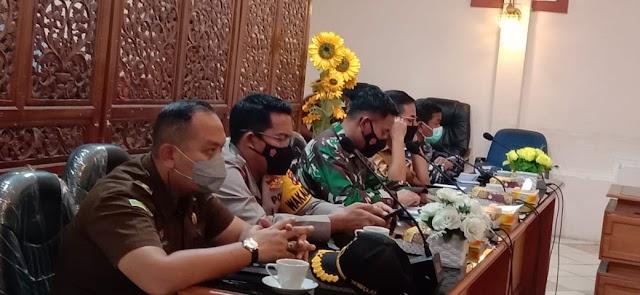 Via Daring, Plh Bupati Kotabaru Ikuti Rakor PPKM Mikro dengan Pj Gubernur Kalsel