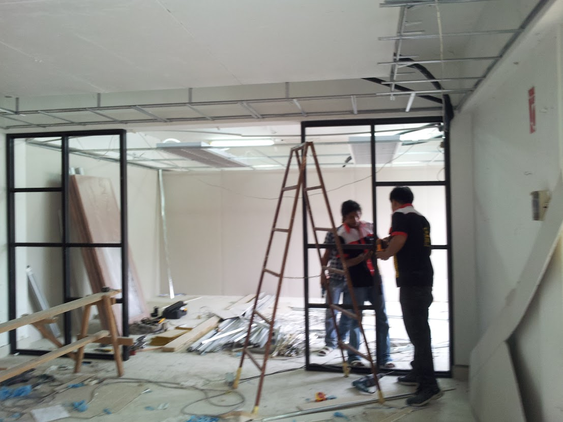 install aluminium glass partition